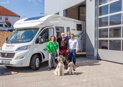 Das erste Waumobil auf Forster Basis wird an Familie Hubert Lechner (Waumobil Gründer) übergeben